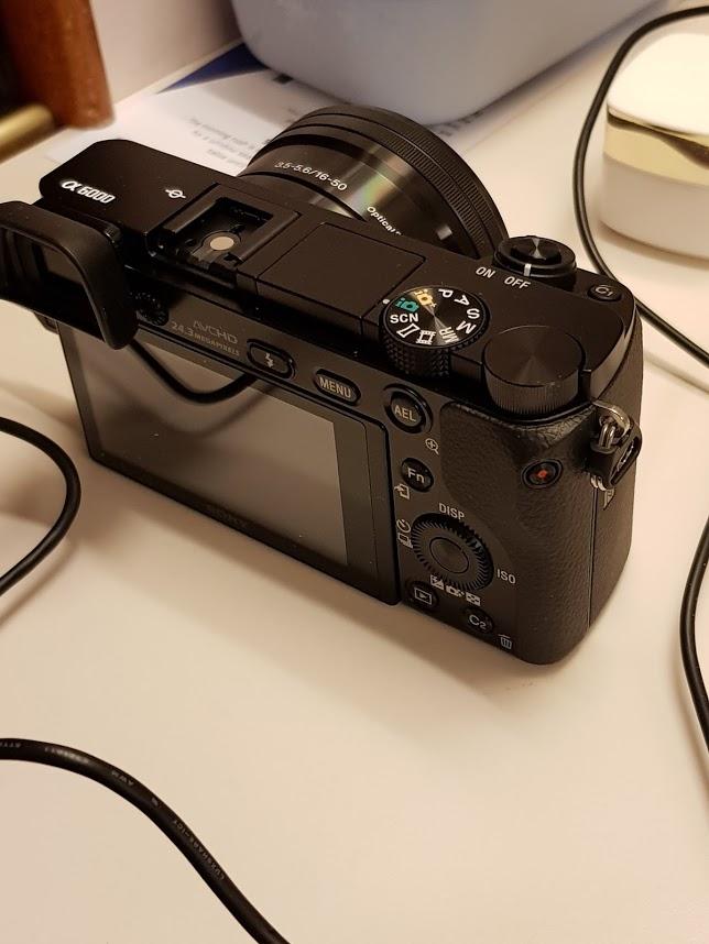 Sony 6000